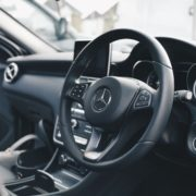 Sådan tjekker du nemmest leasingkontrakten til din kommende bil